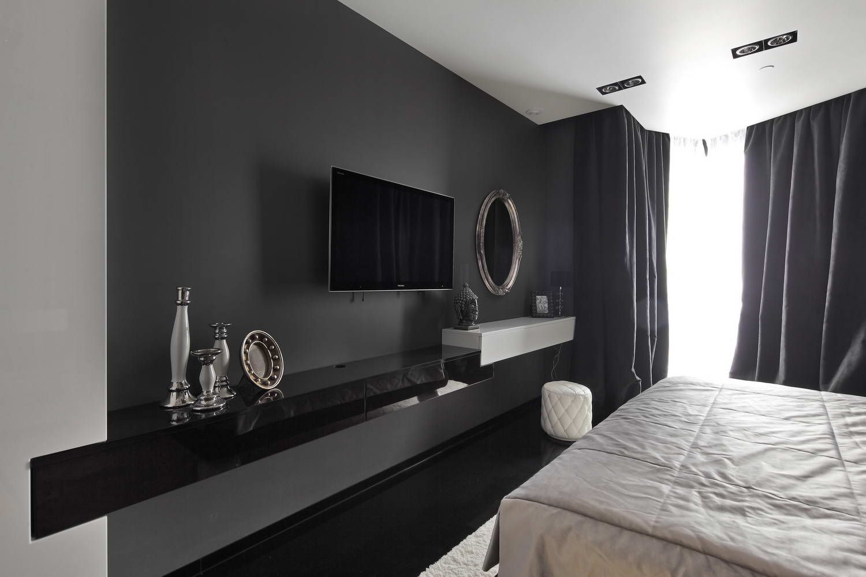 Черные шторы в интерьере спальни