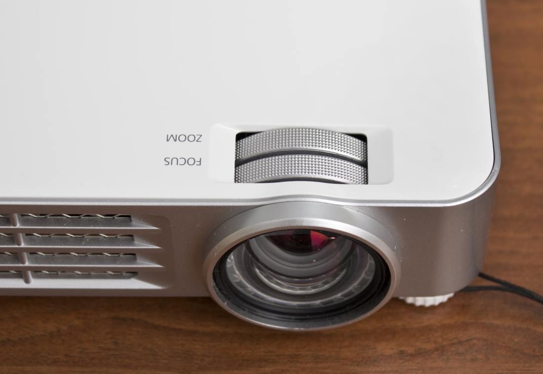 Стационарный проектор для дома