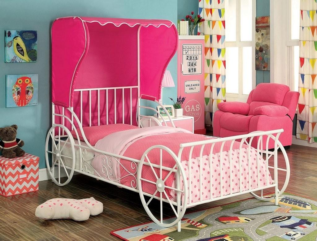 Кровать-карета из стали