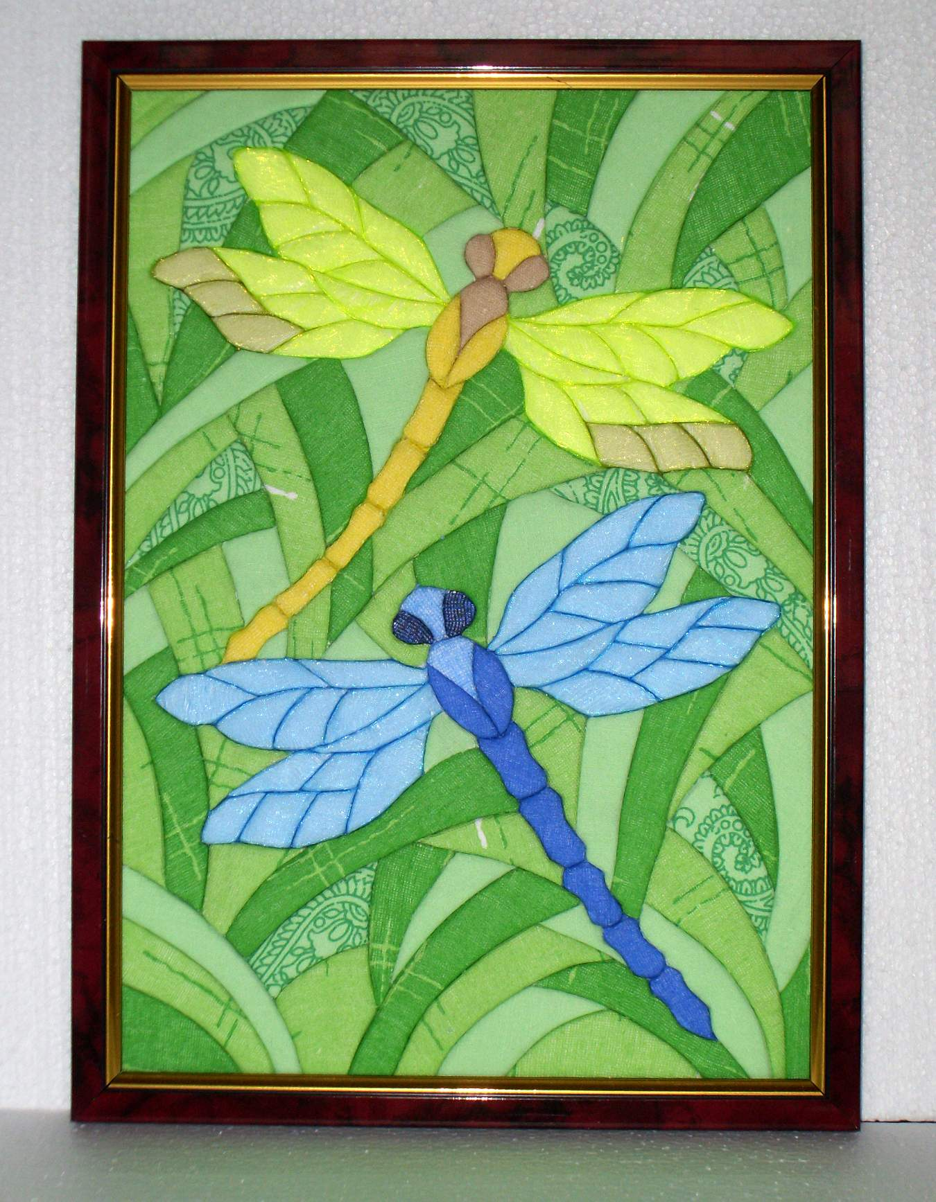 Текстильная картина со стрекозами