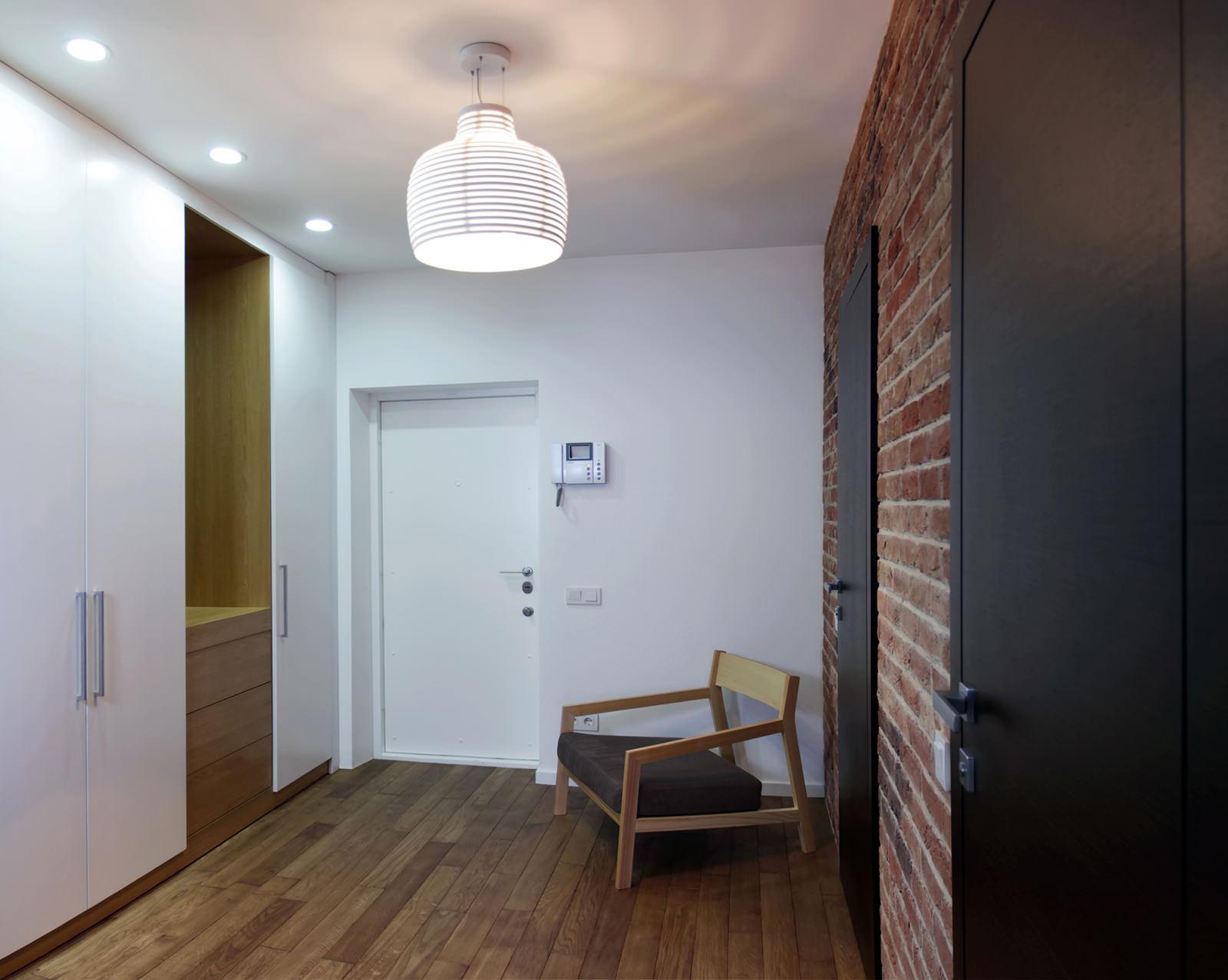 Интерьер прихожей 2017 в квартире-студии