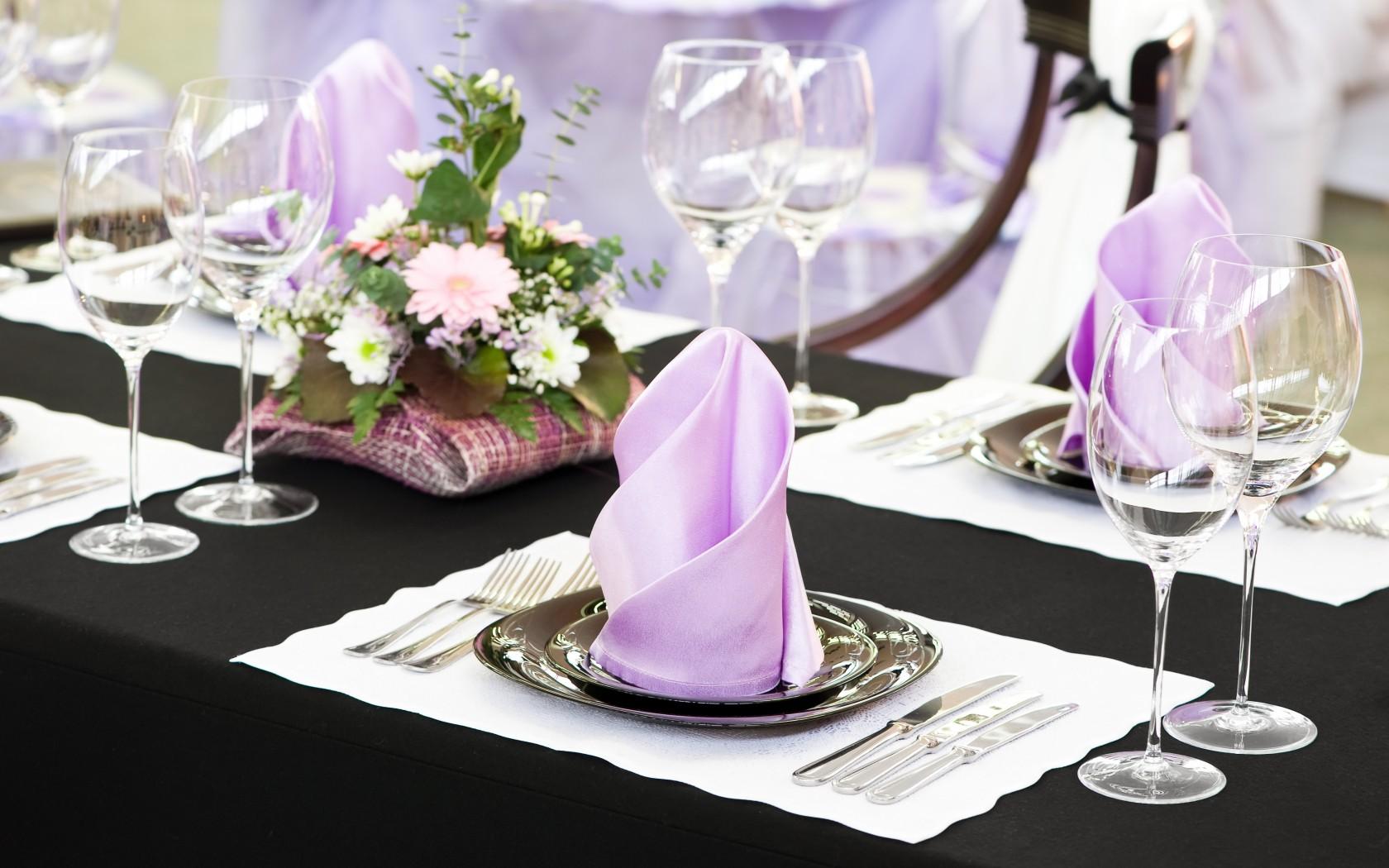 Свадебная сервировка стола салфетками