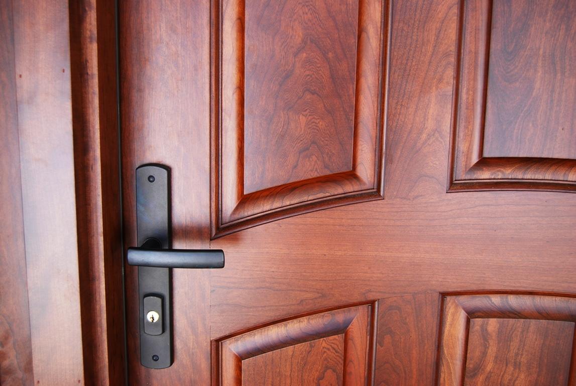 Дверь с текстурой вишни