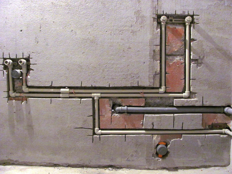 Штробление стены под трубы