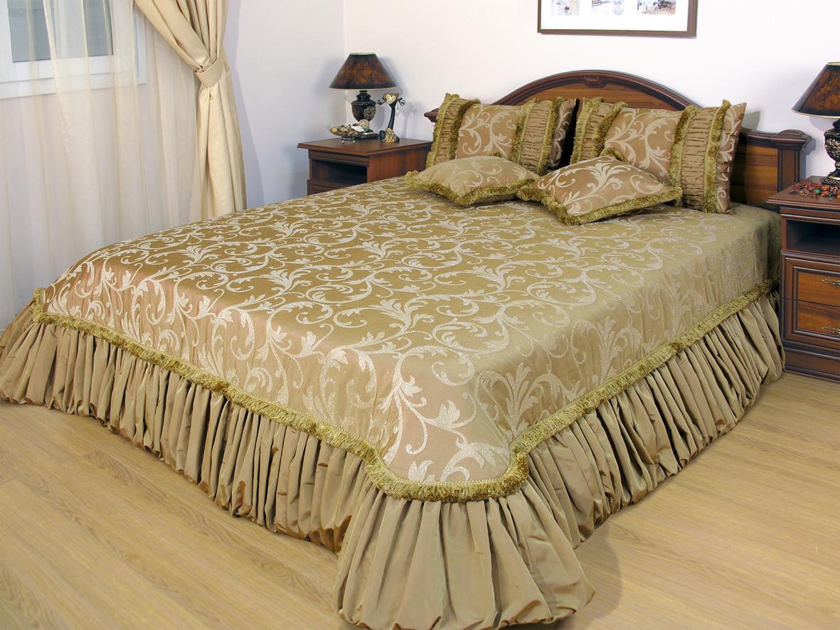 Покрывало на кровать с узором