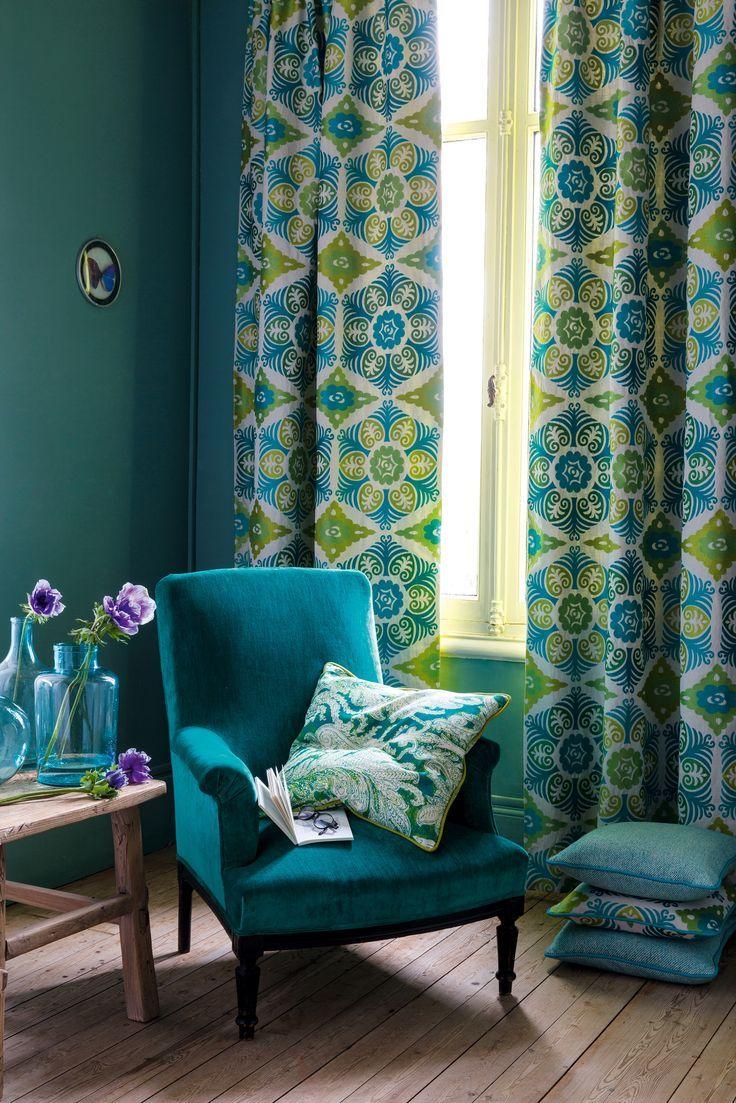 Синие шторы с узором