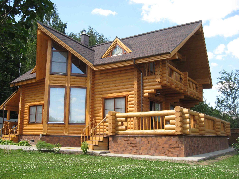 Проект дома из бревна с верандой