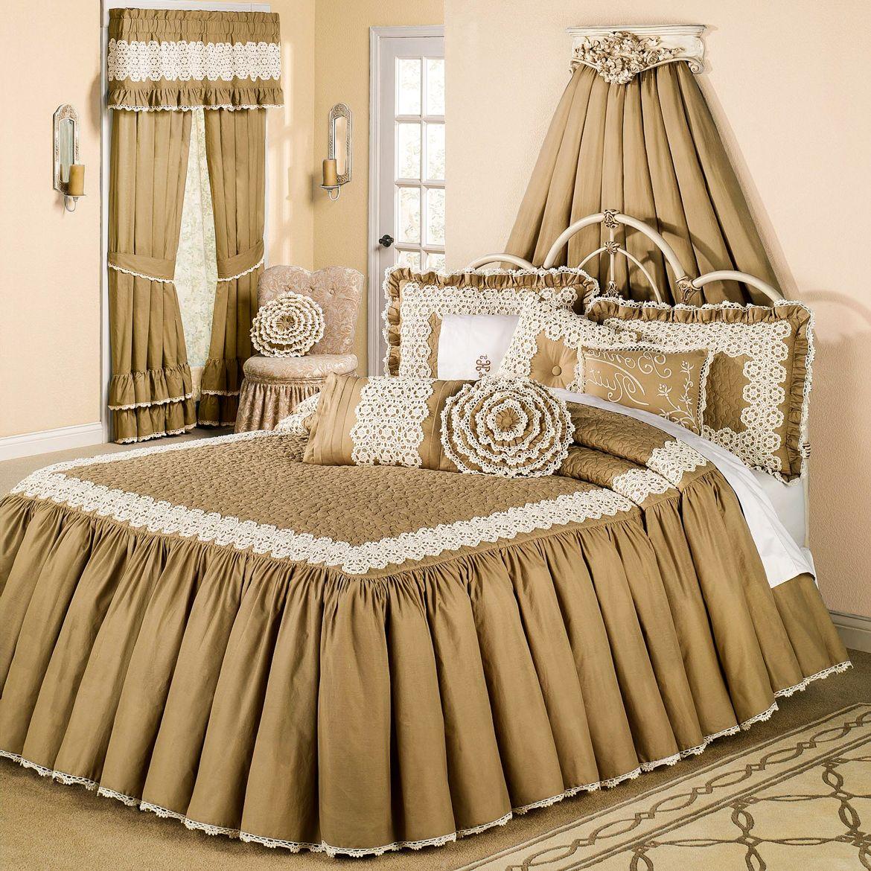 Покрывало на кровать с воланами