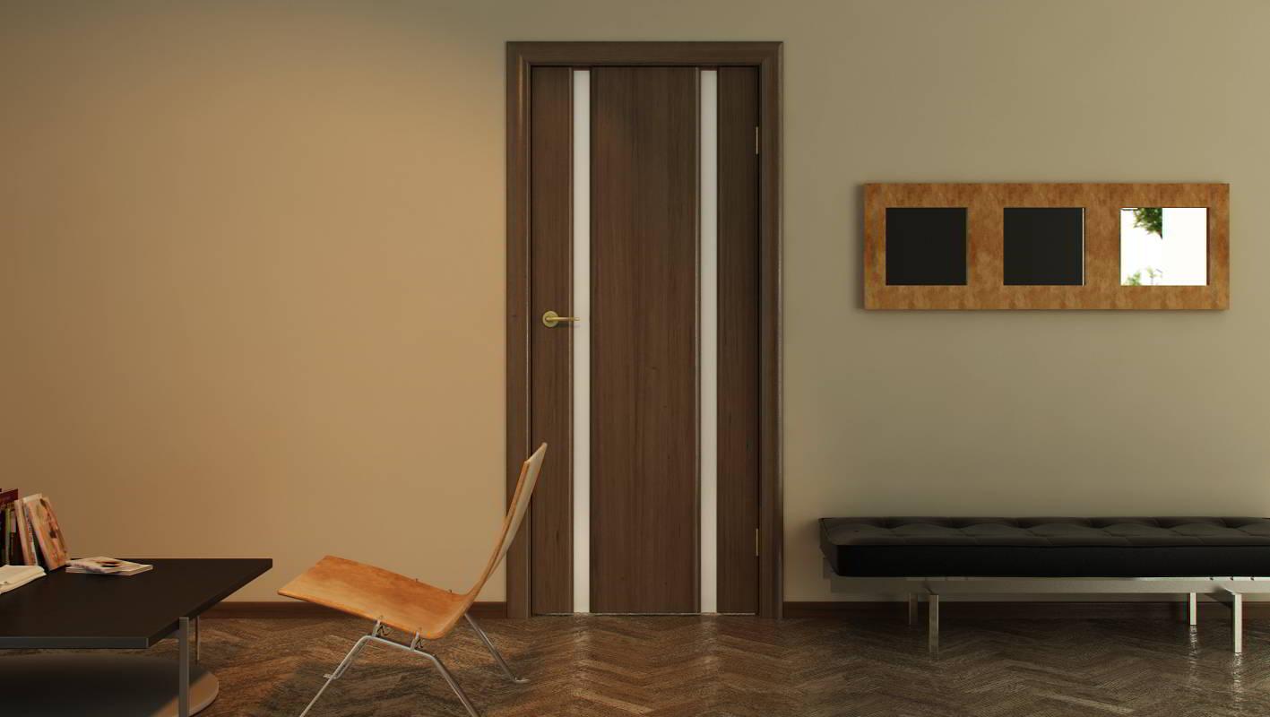 """Дверь цвета """"орех"""" со вставками"""