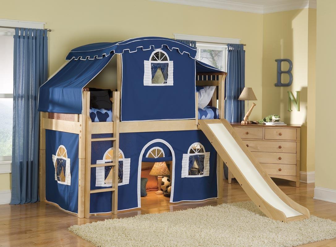 Синяя кровать-замок
