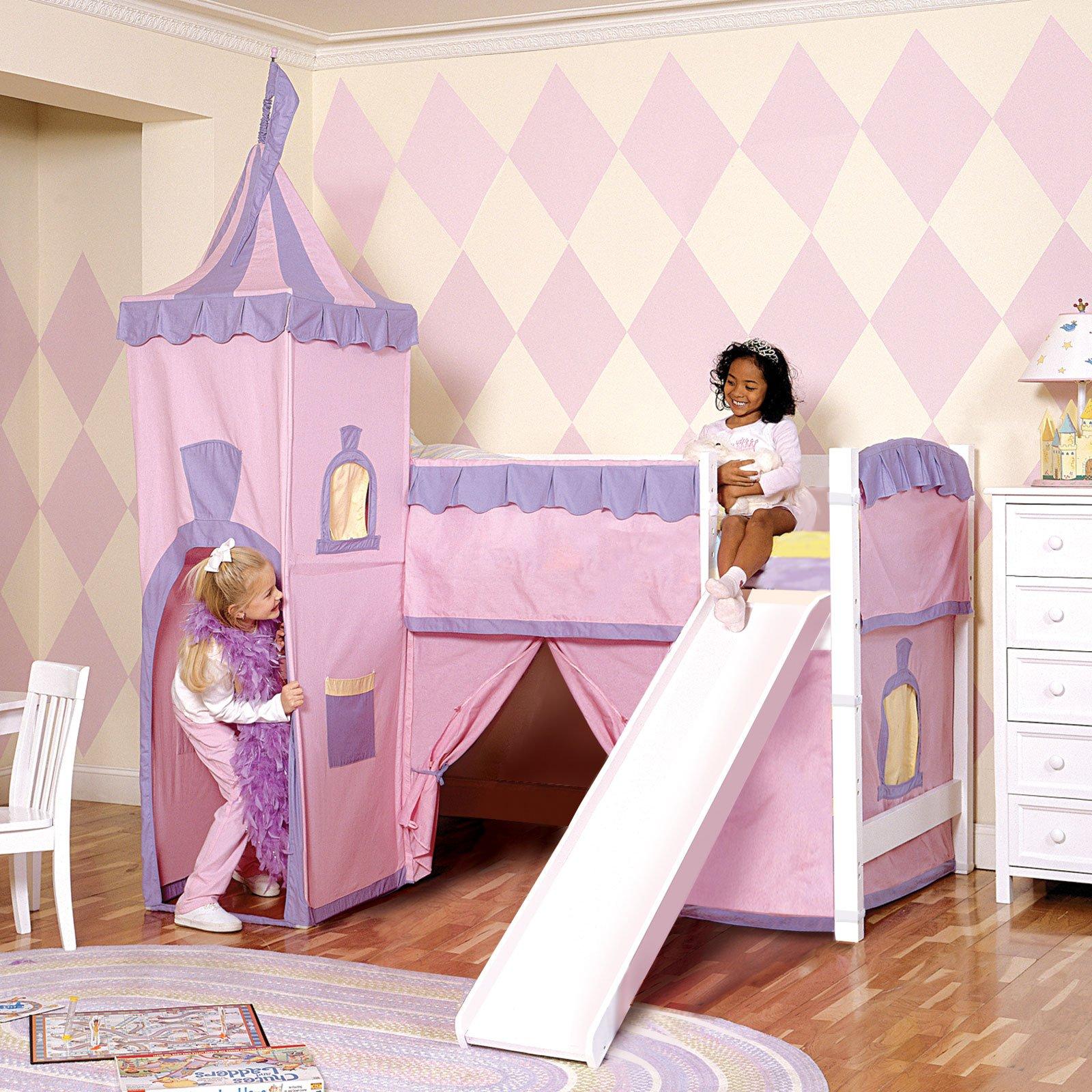 Кровать для девочки в виде замка