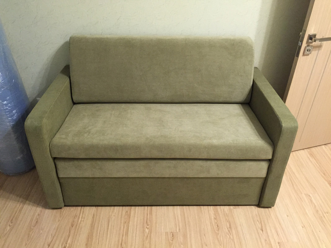 Выкатной диван из замши