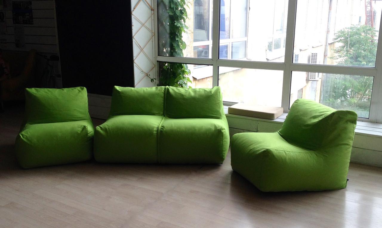 Зеленый бескаркасный диван