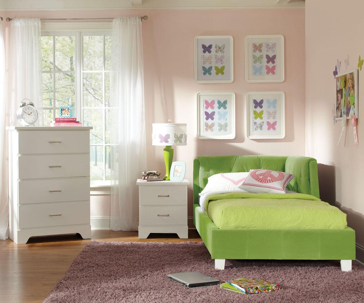 Угловая зеленая кровать