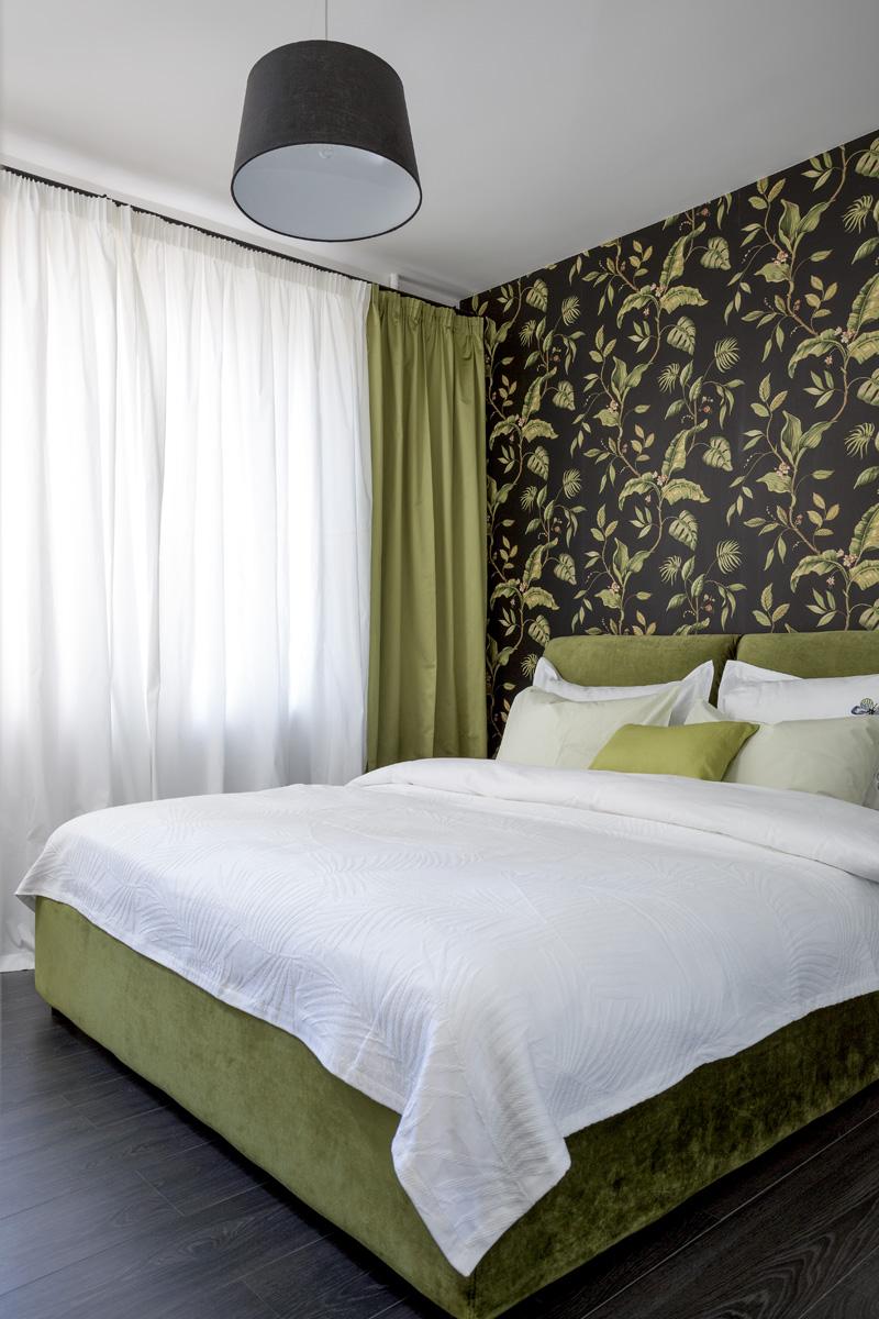 Реечная кровать зеленого цвета