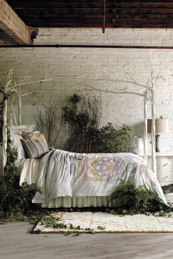 Кровать для дачи с балдахином