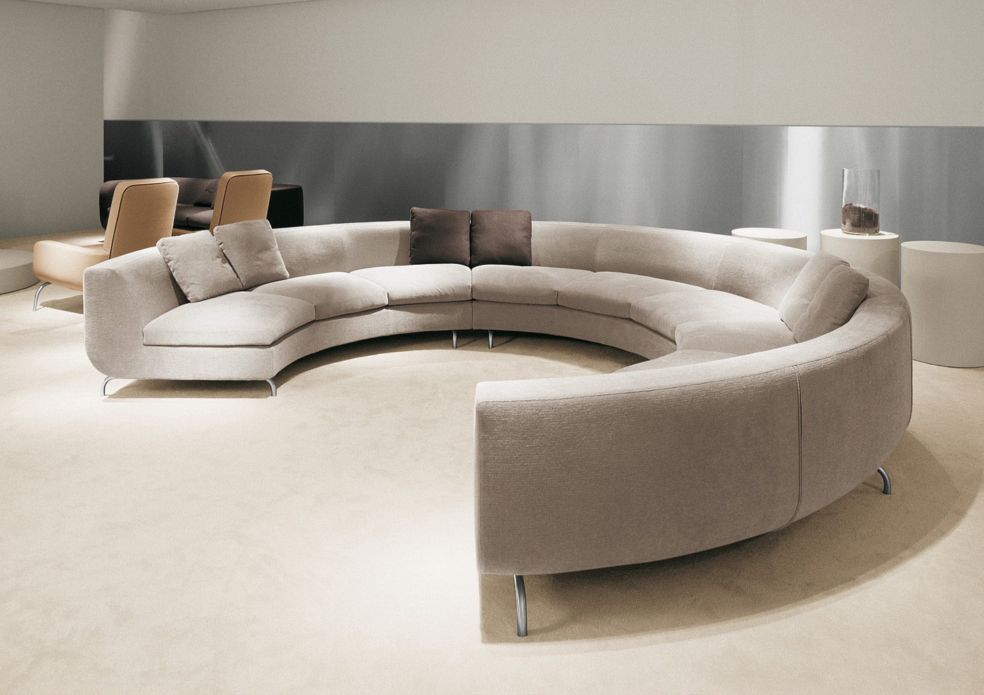 Бежевый круглый диван