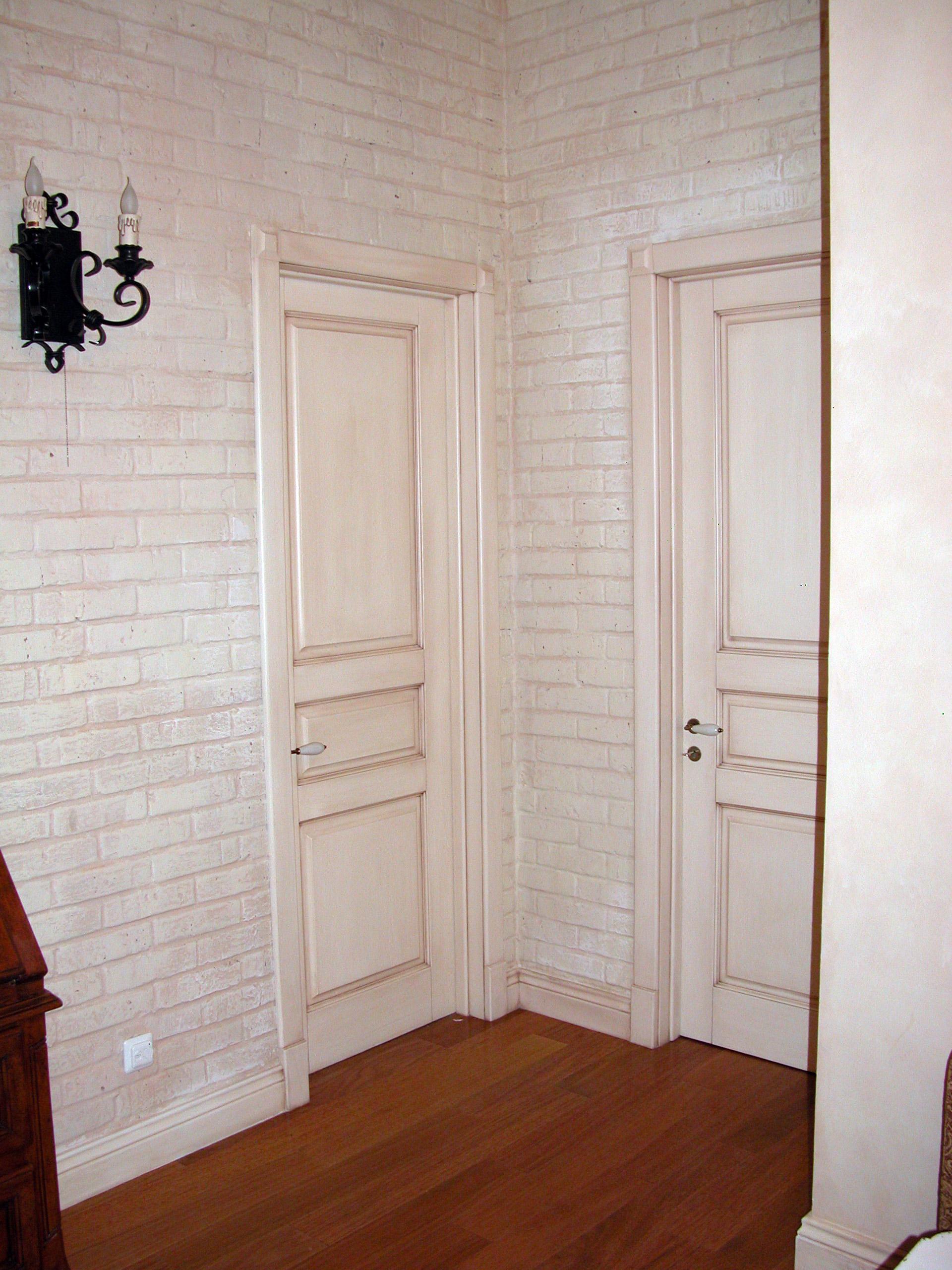 Белая дверь в стиле прованс