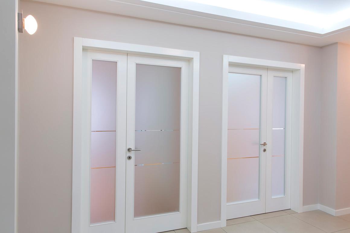Межкомнатная белая дверь 2017