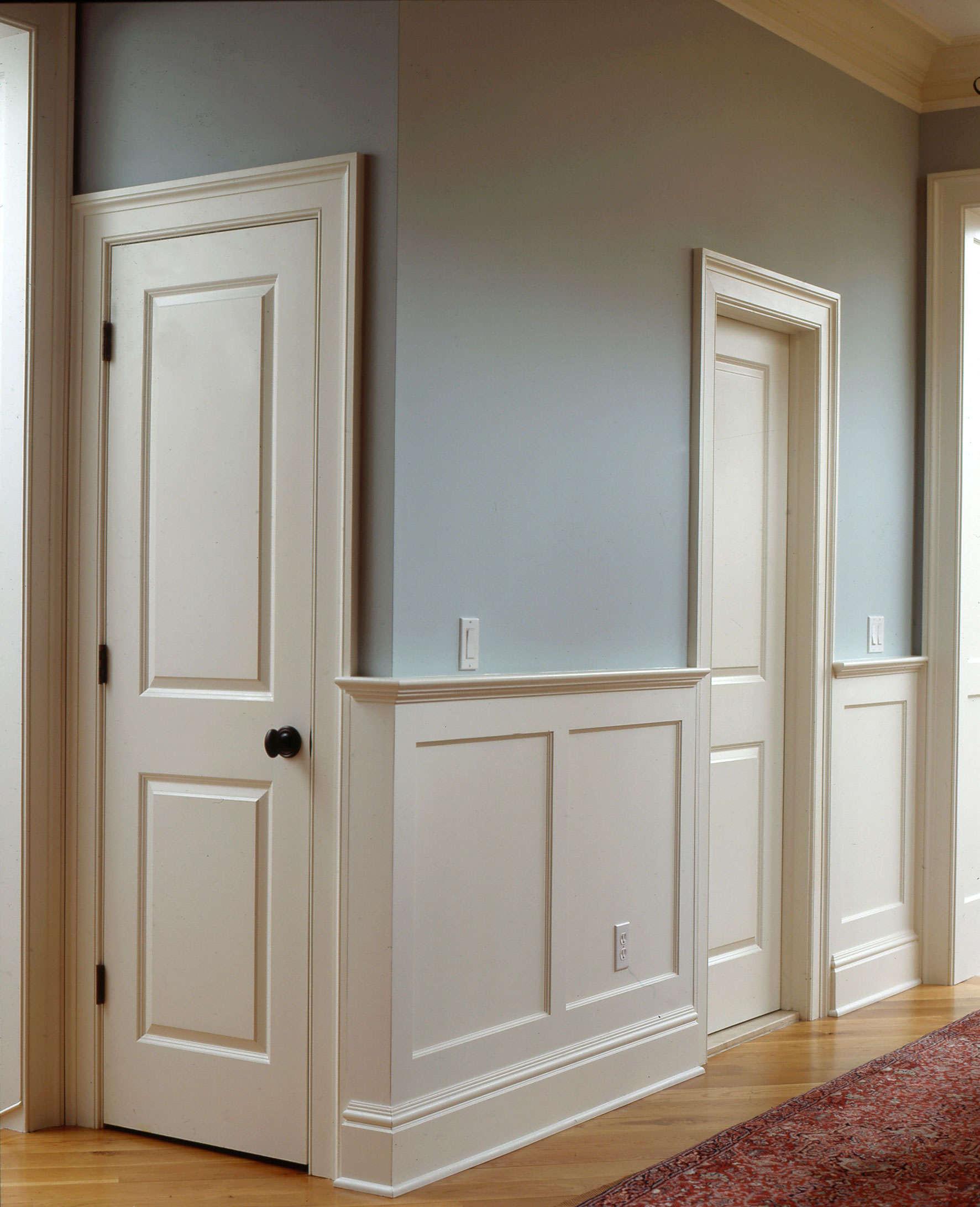 Белые откосы на двери