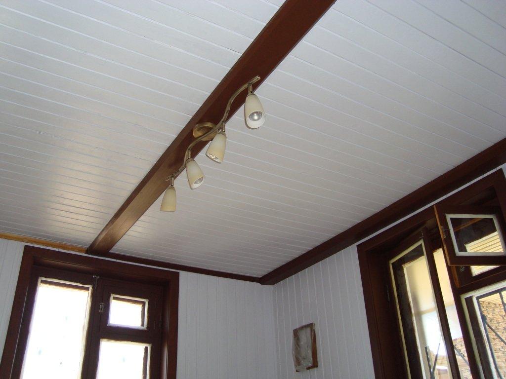 Потолок из белой вагонки