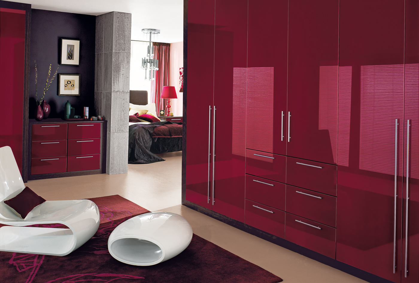 Бордовая глянцевая спальня