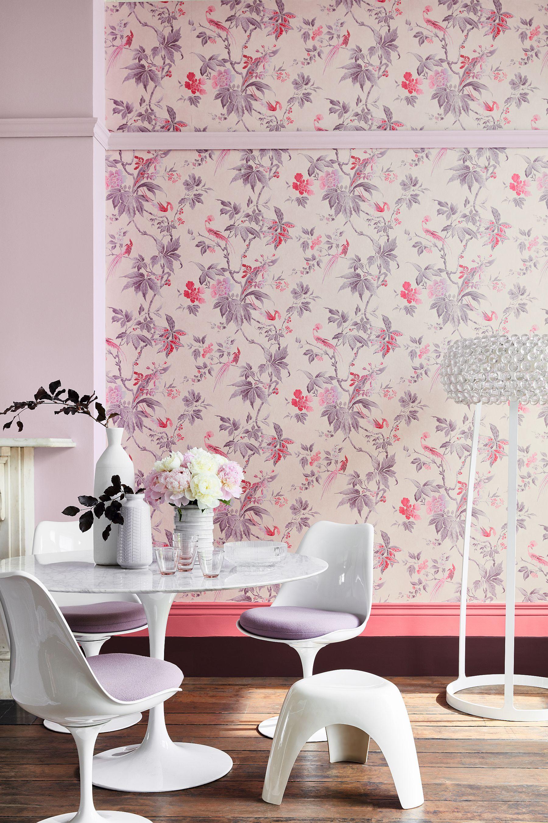 Бумажные розовые обои