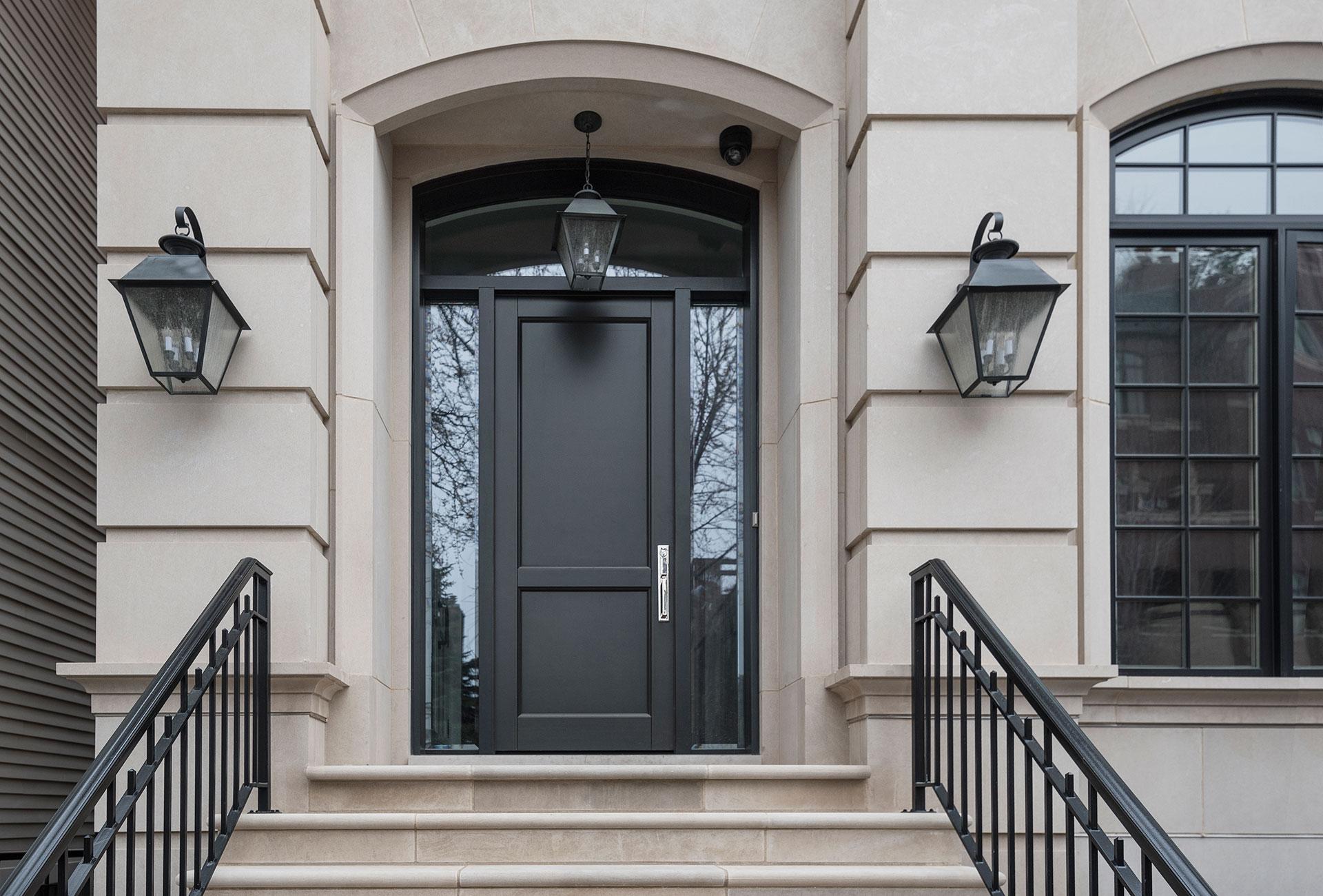 Межкомнатная черная дверь 2017