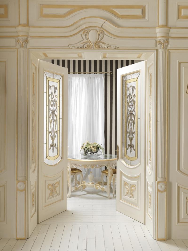 Дверные откосы в классическом стиле