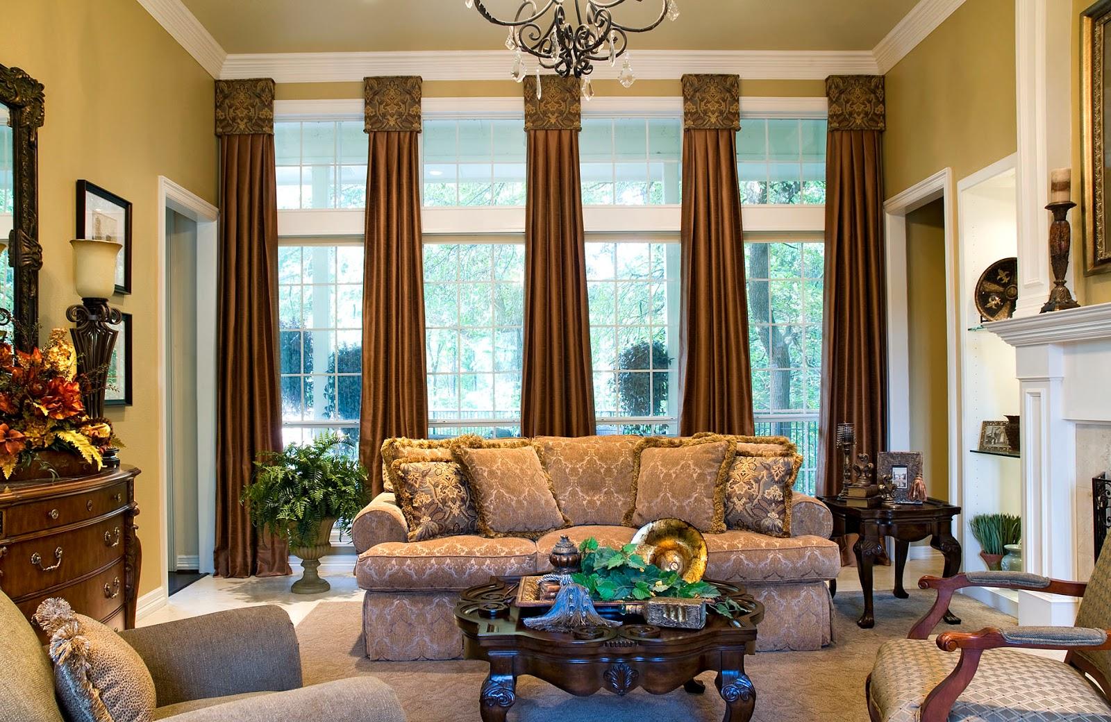 Коричневые шторы в классическом стиле