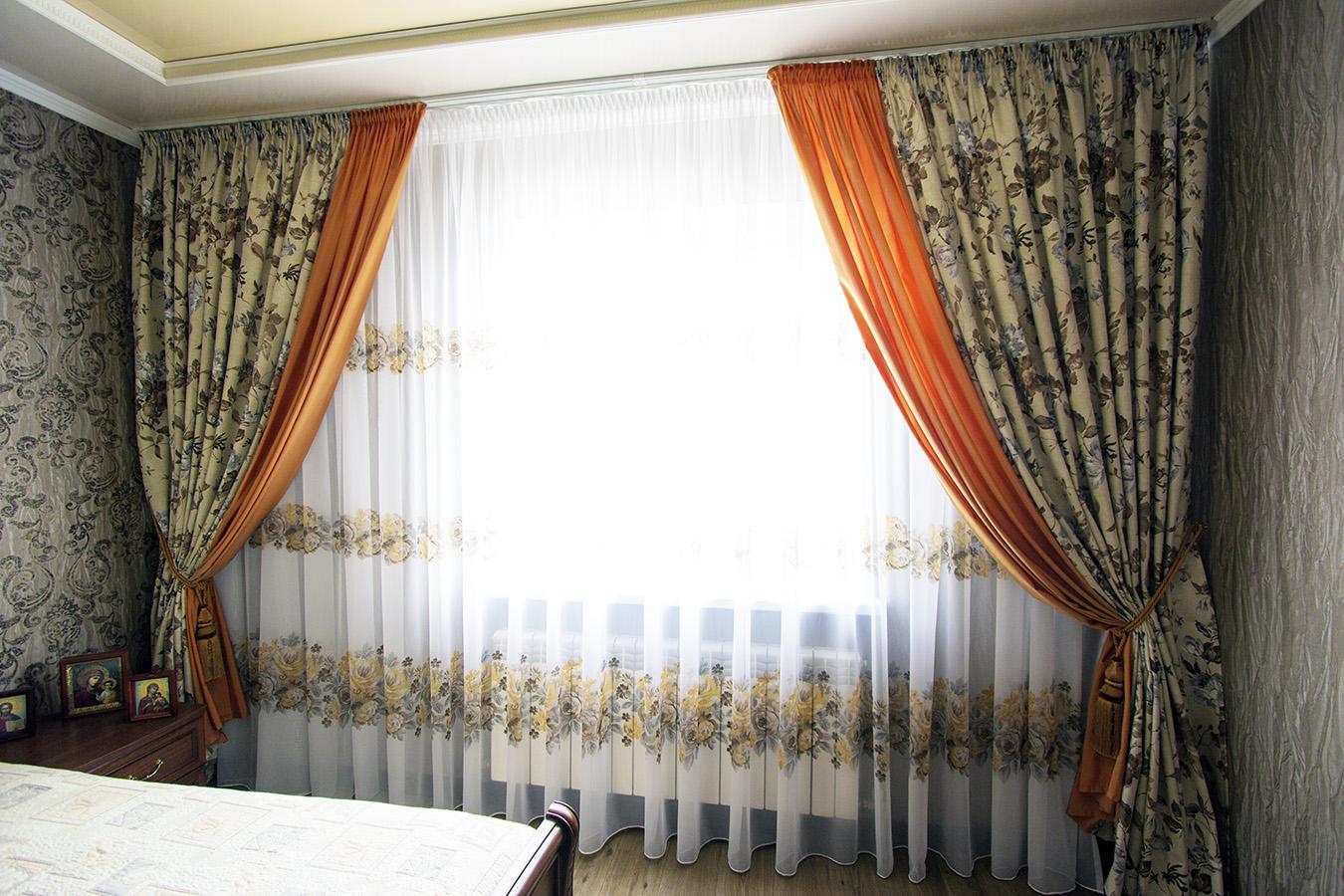 Пошив штор из цветочной ткани