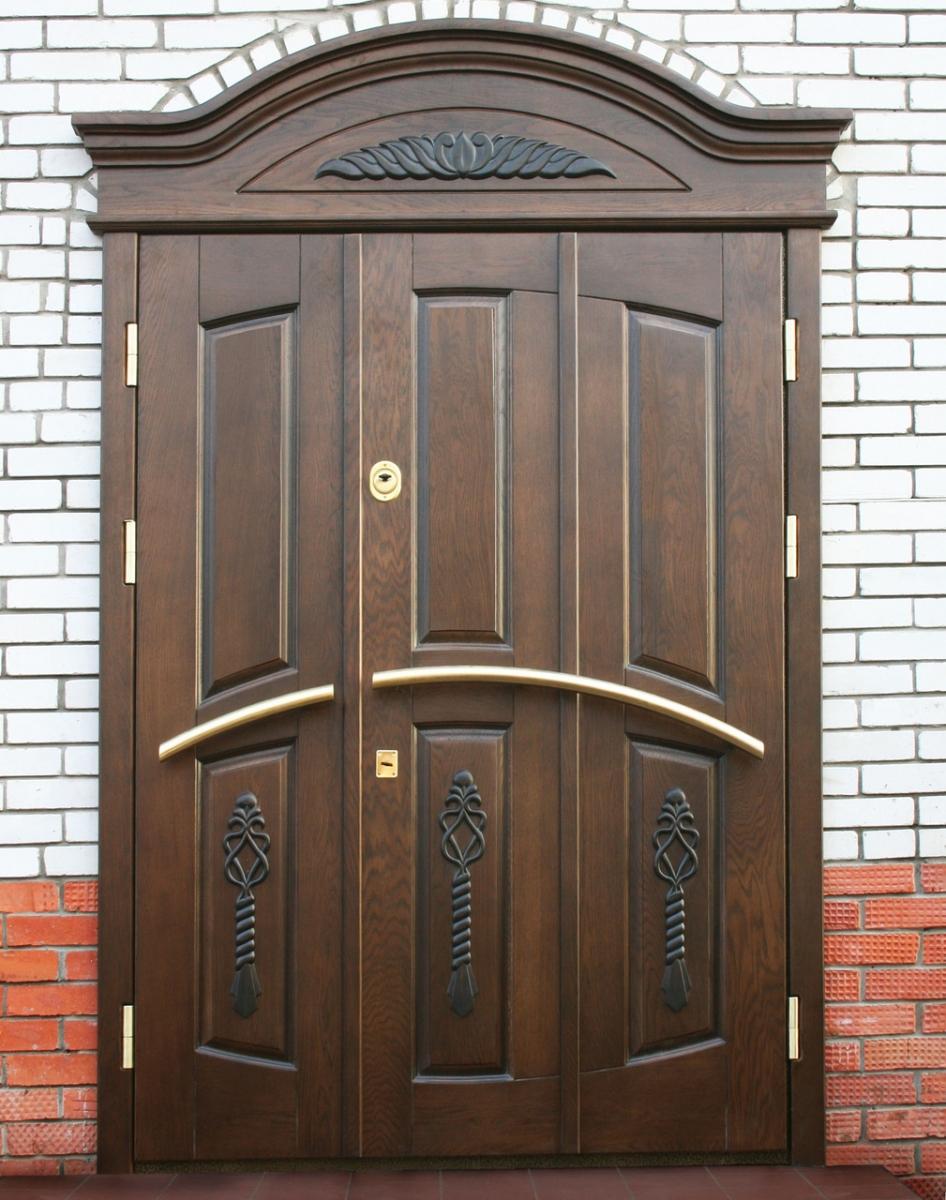 Дверь для дачи с декором