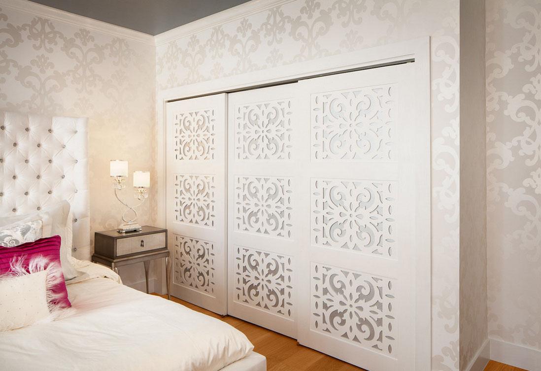 Двери с резным декором в гардеробную