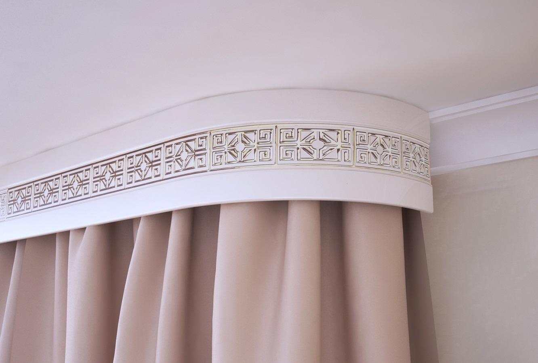 Потолочные шторы с декоративной блендой