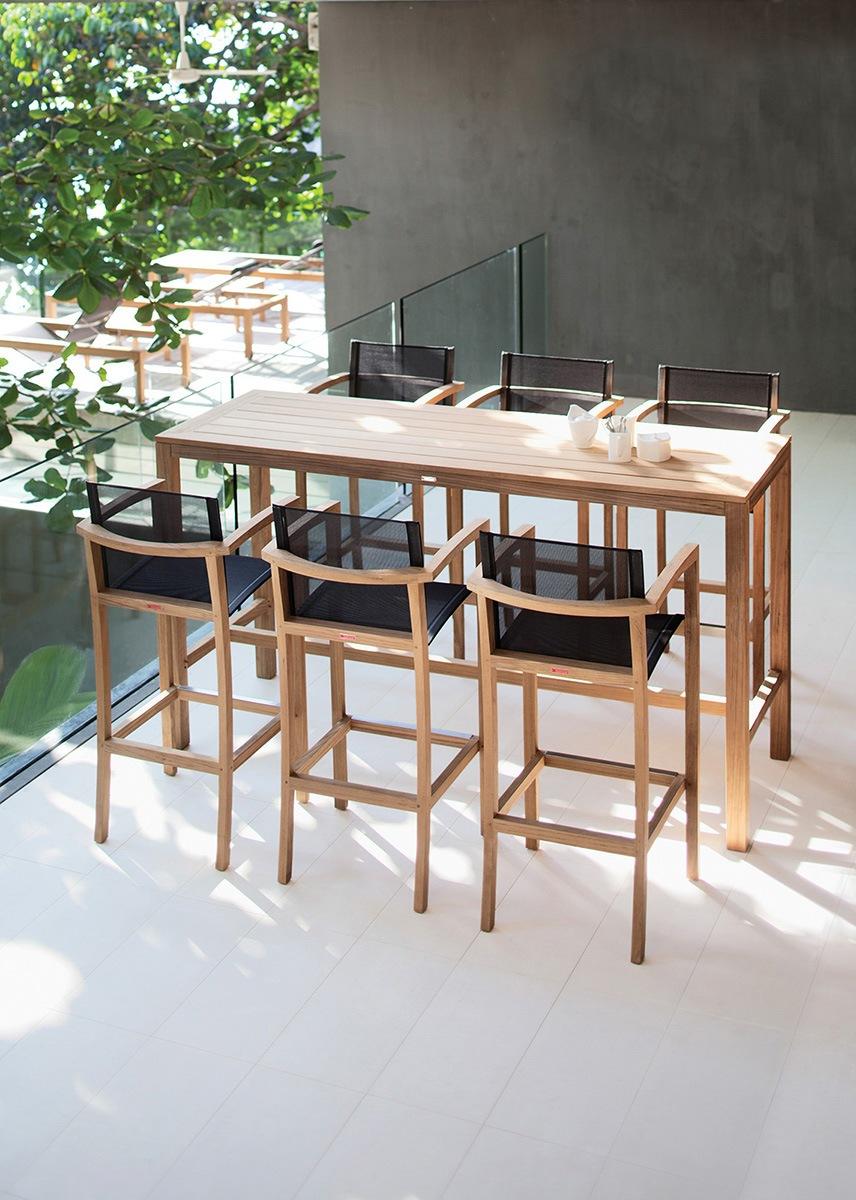 Деревянный барный стол