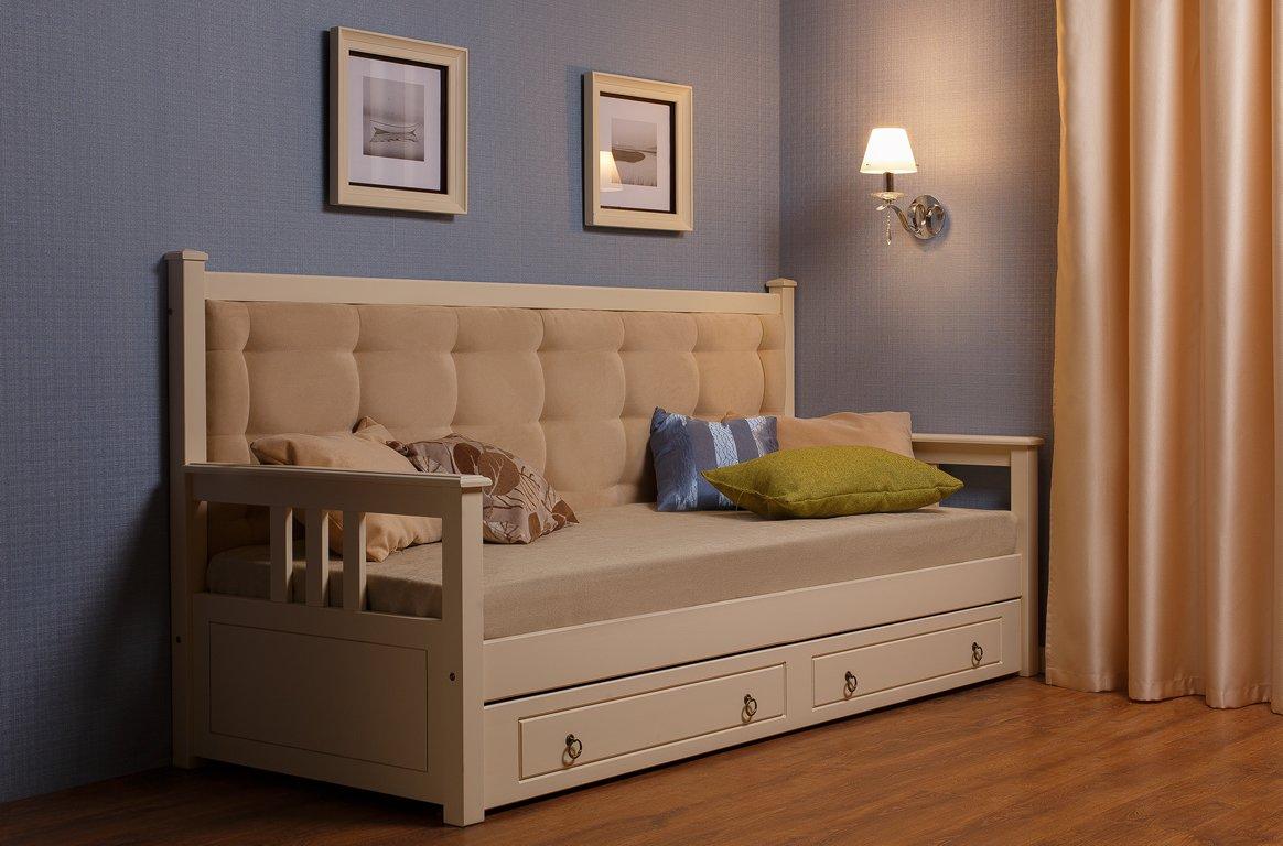 Деревянная кровать тахта