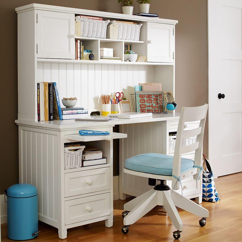Деревянный стол для ребенка