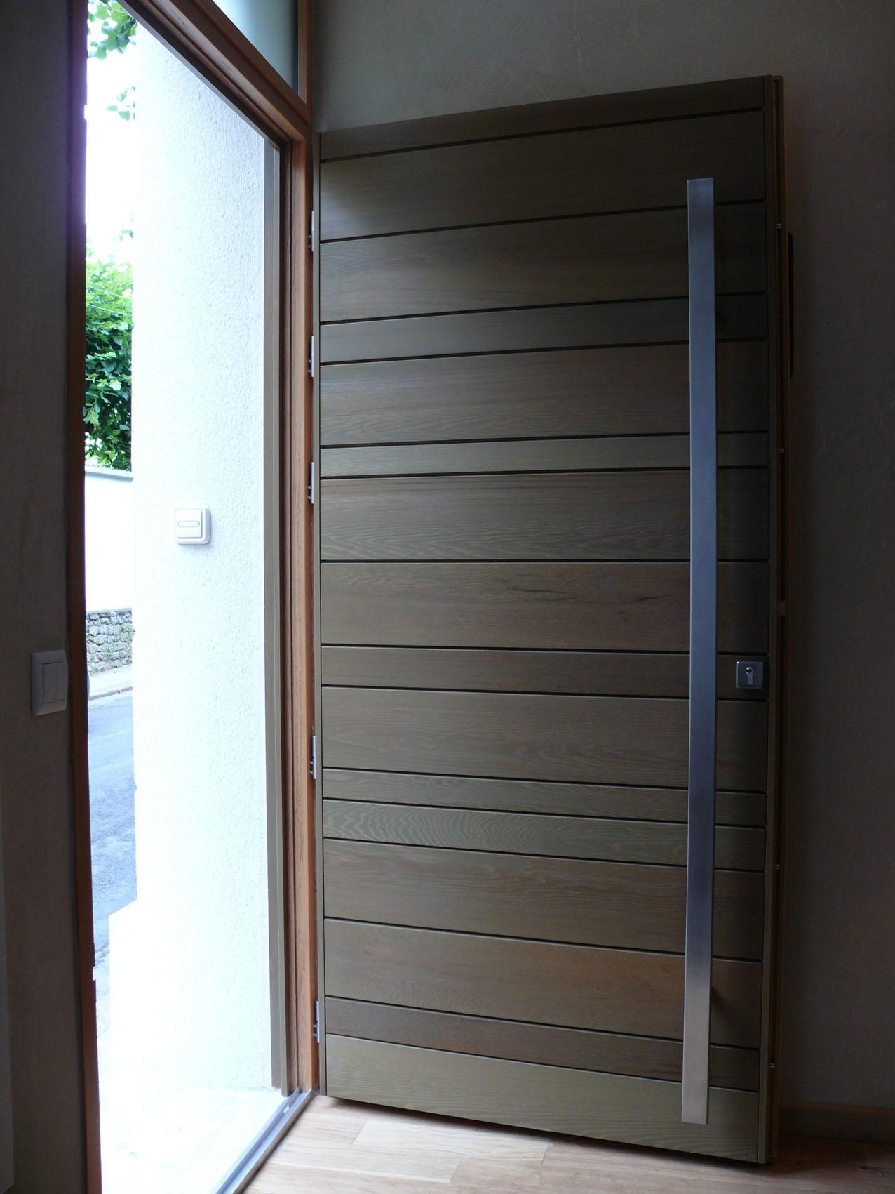 Входная дверь МДФ под дерево