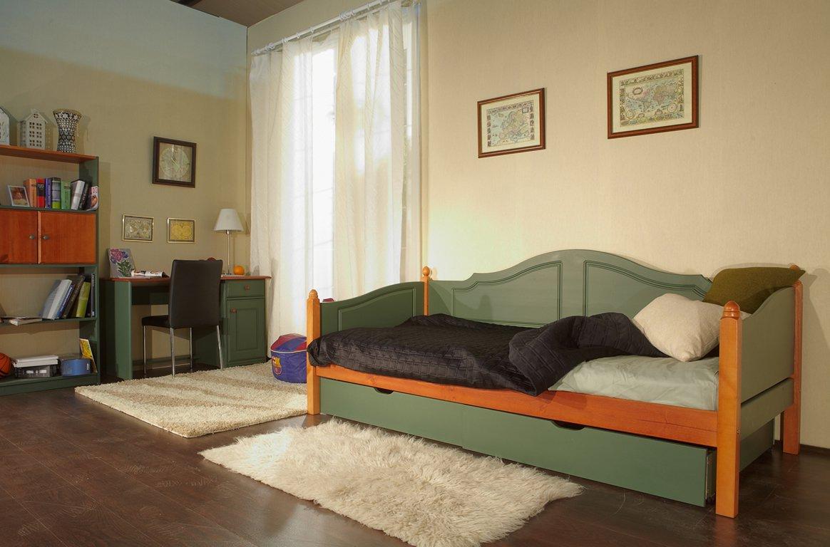 Кровать тахта из дерева
