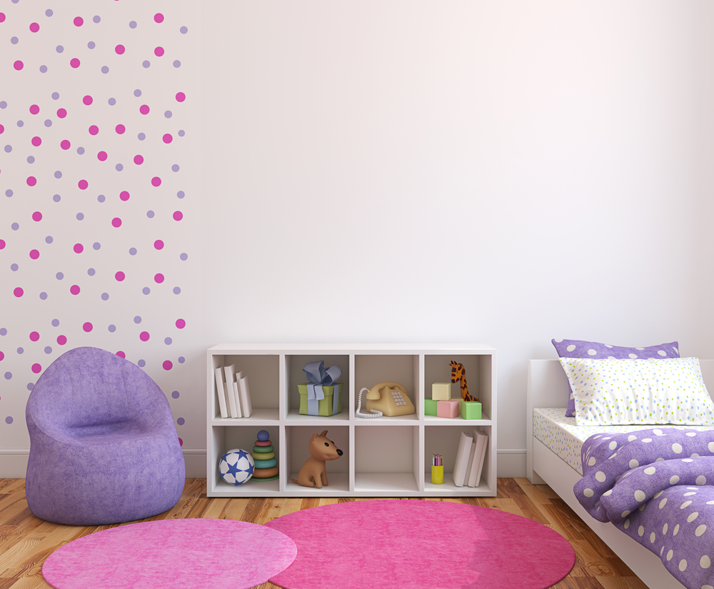 Фиолетовые обои в детской комнате