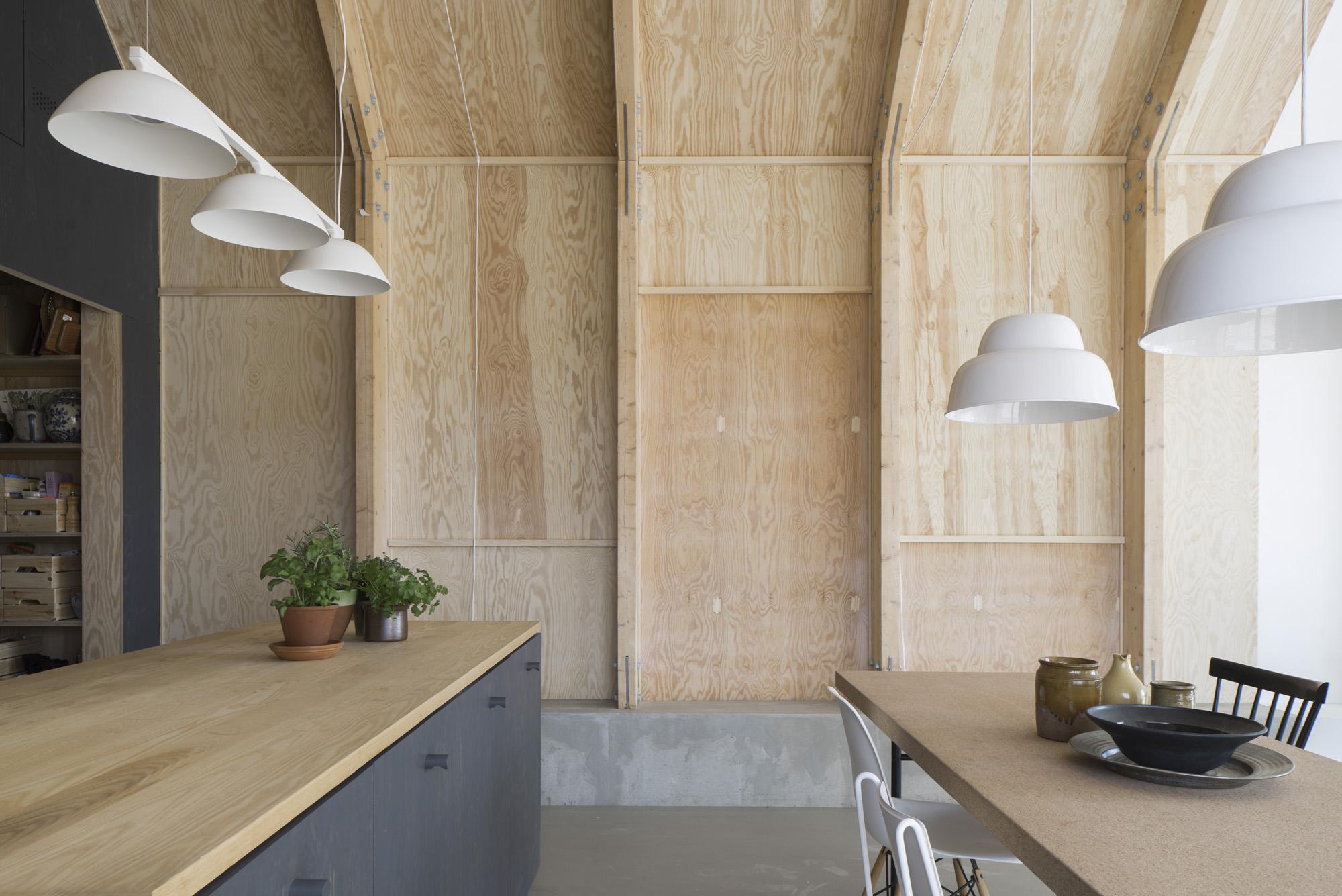 Дизайн потолка из фанеры