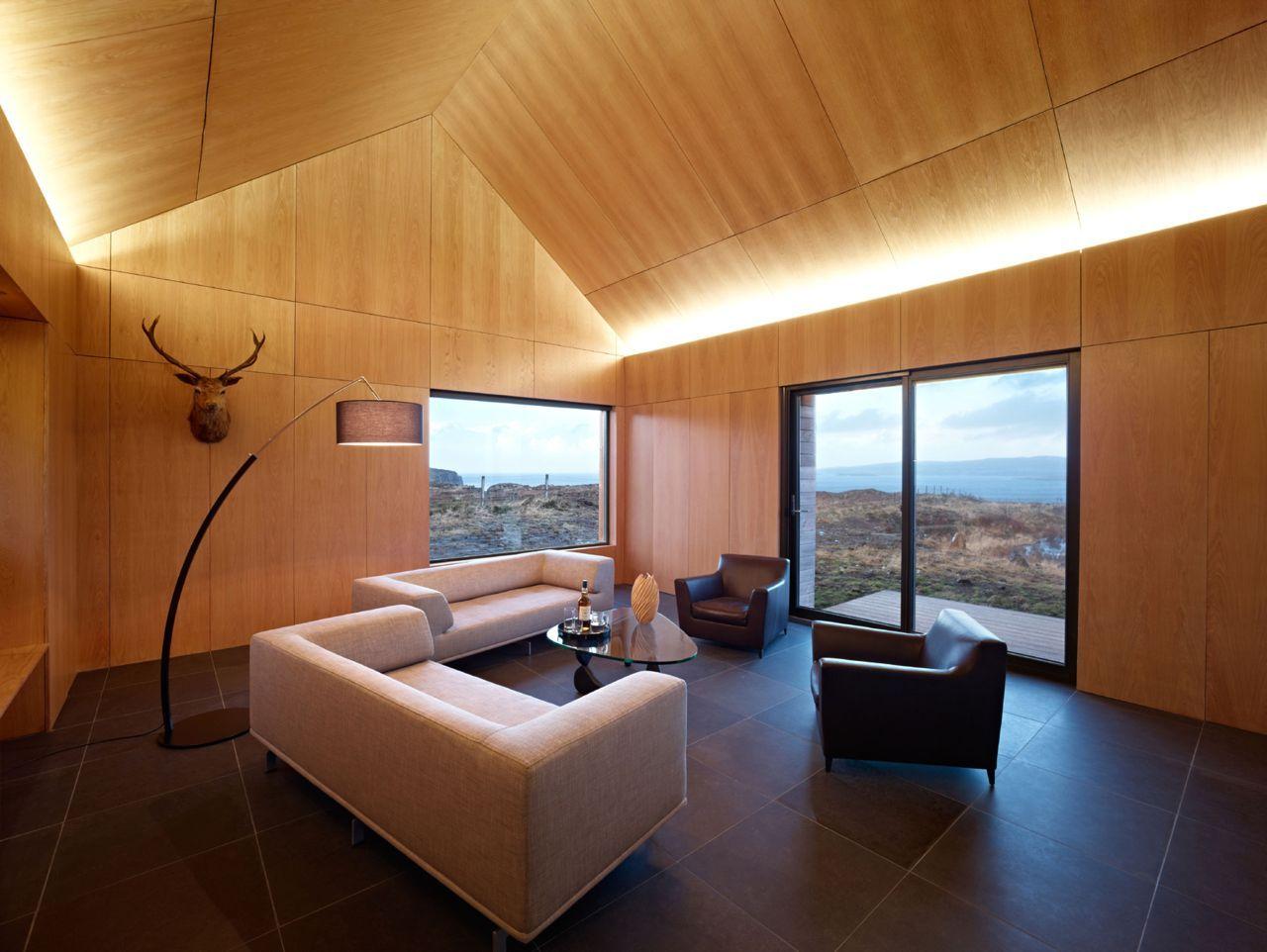 Потолок из фанеры в доме