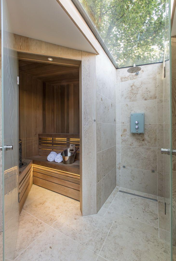 Стеклянная дверь для сауны в доме