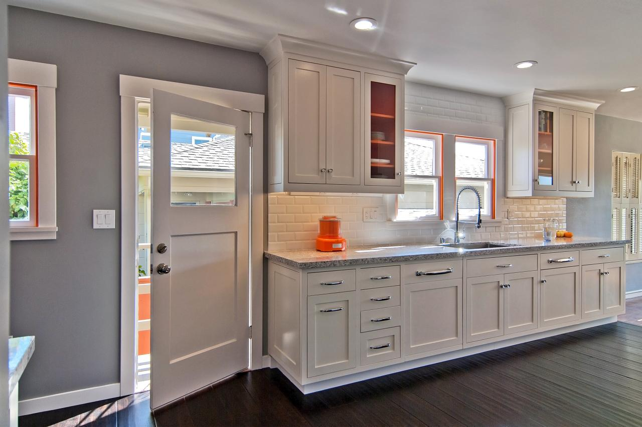 Кухонная дверь в доме