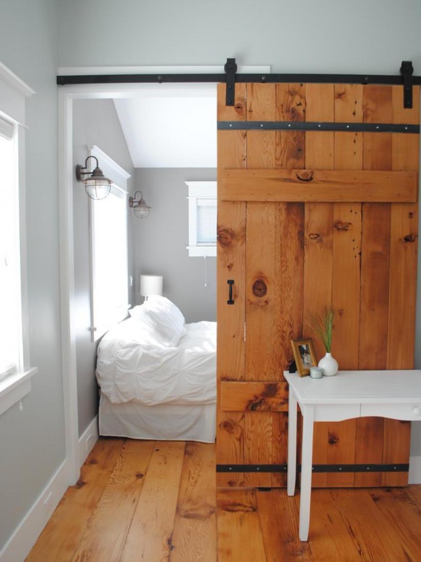 Дверь в спальню в стиле эко