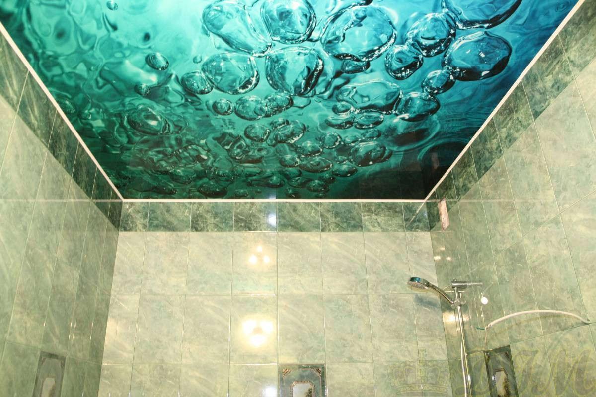 Фотопечать на потолке ванной