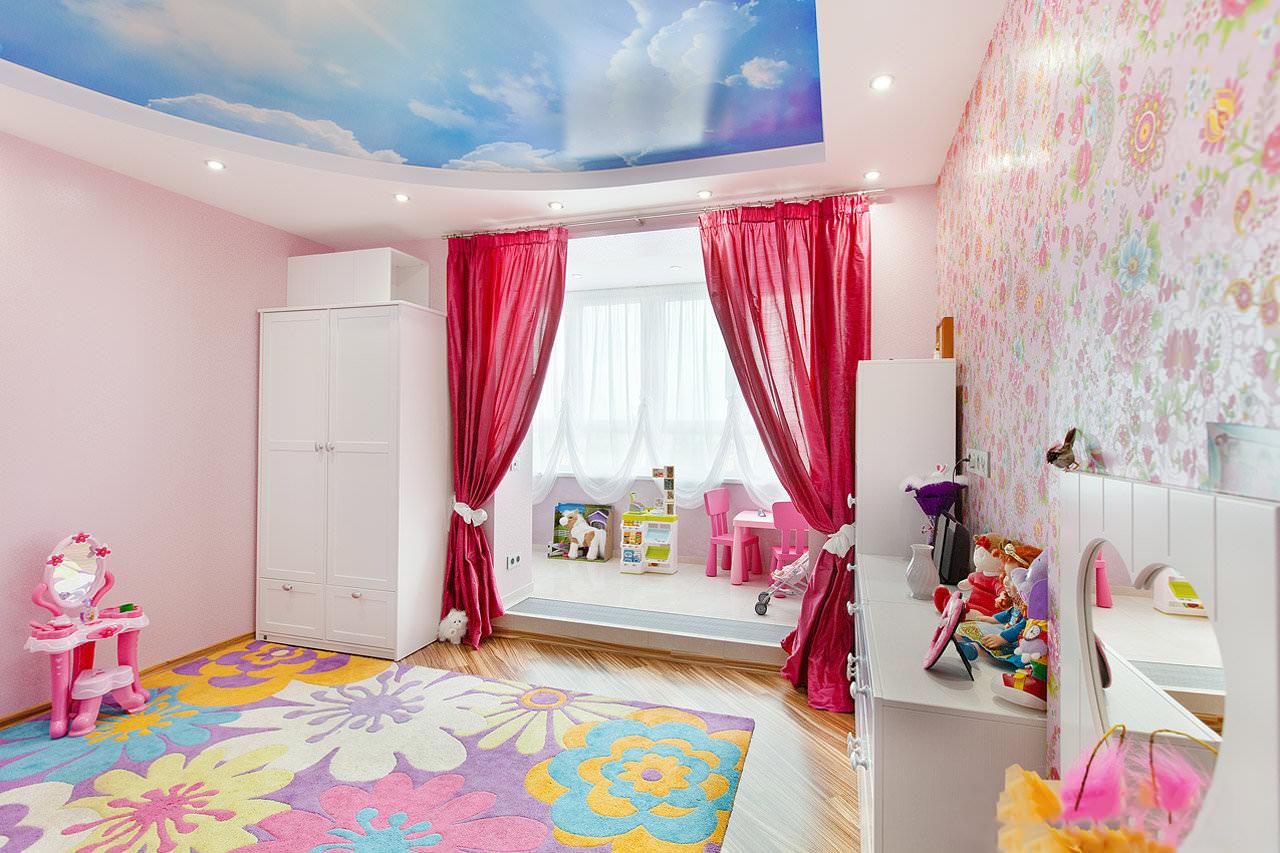 Потолок с фотопечатью в детской для девочки