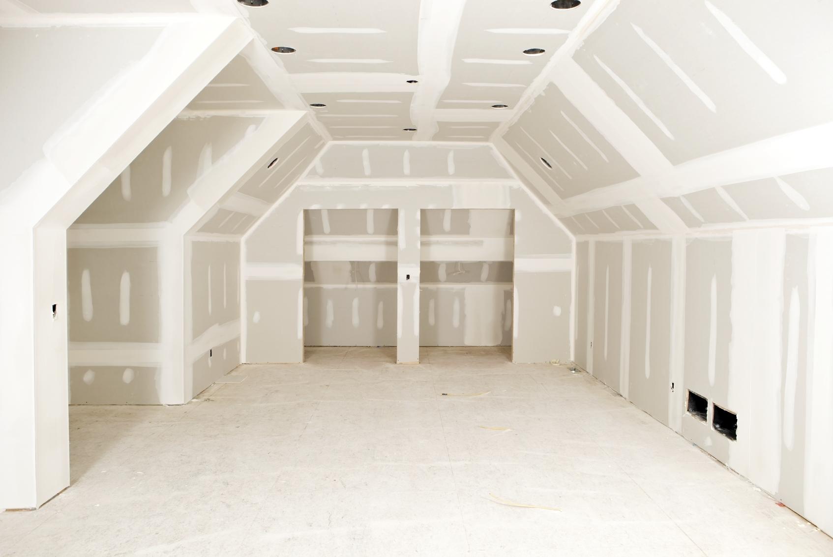 Заделка трещин на гипсокартонном потолке