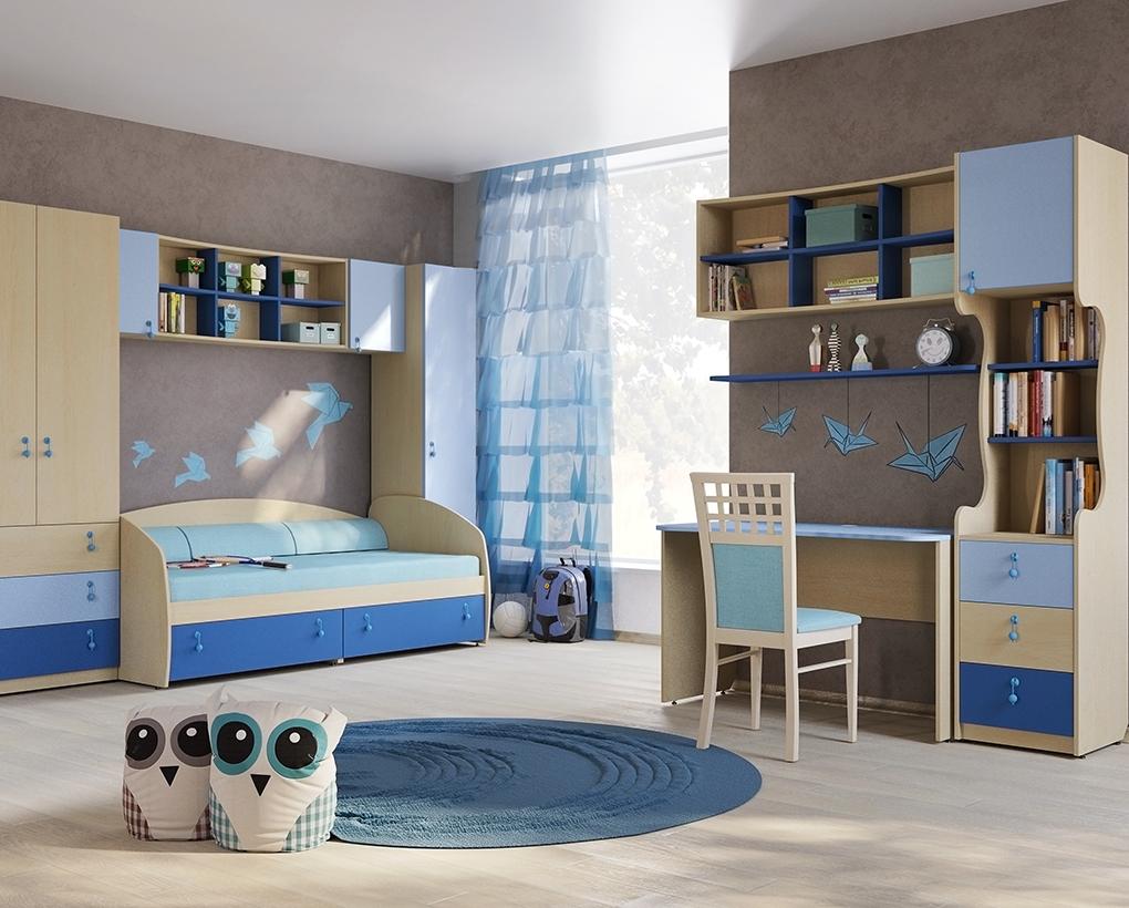 Голубая кровать тахта в детской