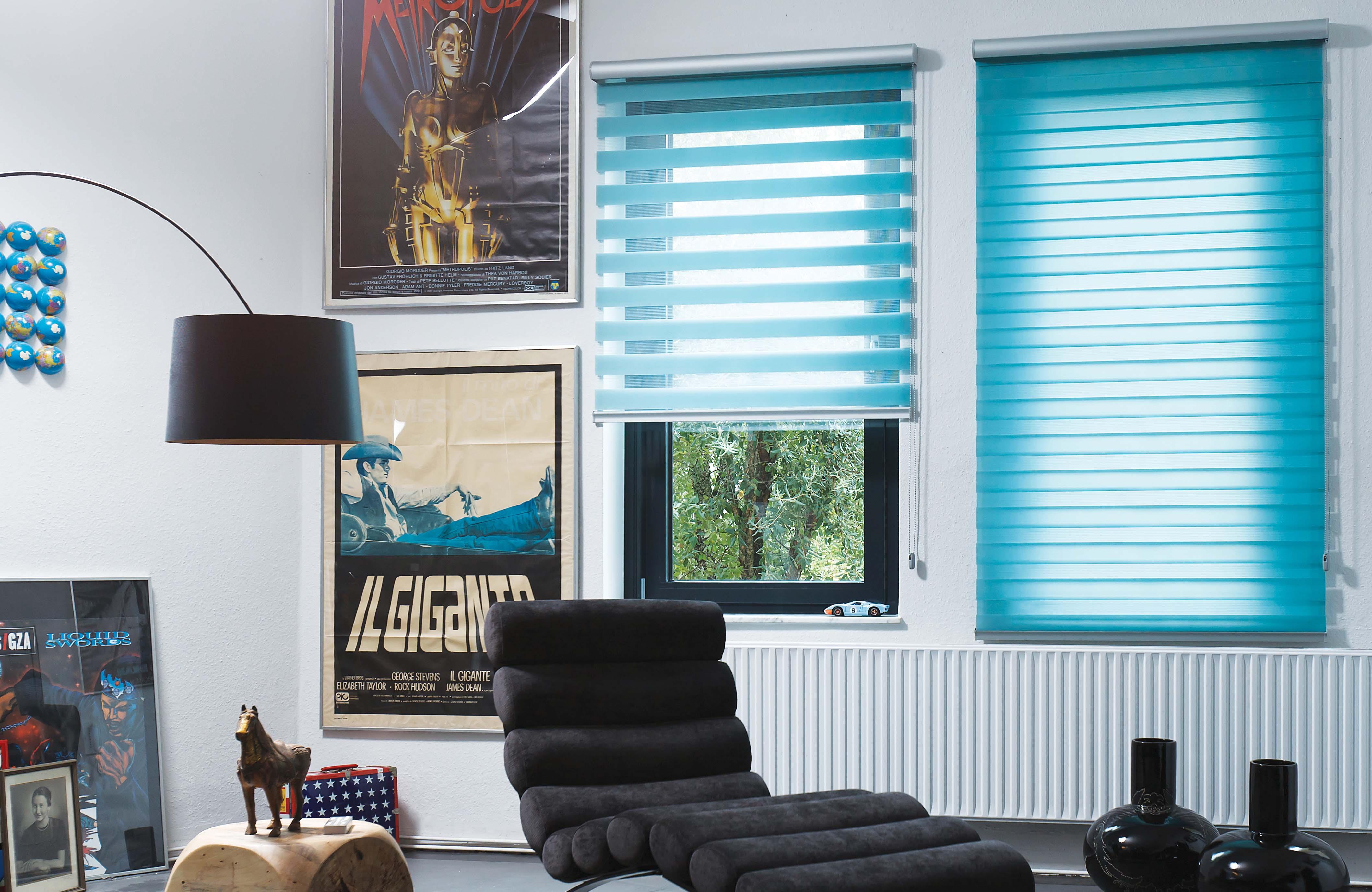 Голубые рулонные шторы
